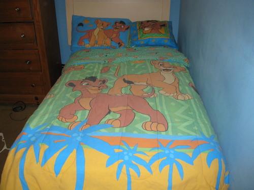 The Lion King 2:Simba's Pride wallpaper entitled my lion king 2 kovu in kiara bed set