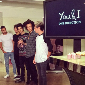 onedirectionThe band have announced the new commercial for their fragrance anda