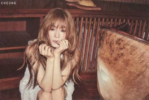 "Tiffany Hwang fondo de pantalla possibly containing a sign and a barrow titled [Scans] Tiffany ""Holler"" photobook"
