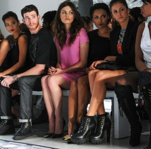 Versus Versace fashion Показать