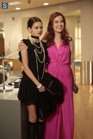 1x04 There´s No Place Like Homecoming Stills