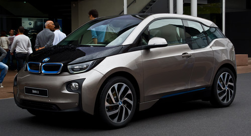 Nocturnal Mirage fond d'écran with a sedan, a hatchback, and a subcompact titled 2014 BMW i3