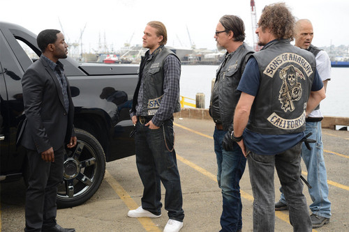 Sons Of Anarchy wallpaper entitled 7x03 - Playing with Monsters - Chester, Jax, Chibs, Tig and Happy
