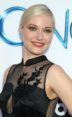 "Georgina Haig achtergrond titled ABC's ""Once Upon A Time Season 4"" Red Carpet Premiere"