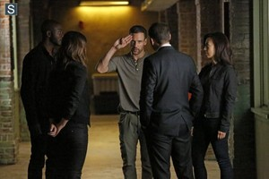 Agents of S.H.I.E.L.D. - Episode 2.02 - Heavy is the Head - Promo Pics