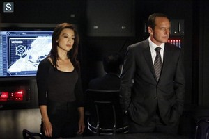 Agents of S.H.I.E.L.D. - Episode 2.03 - Making mga kaibigan and Influencing People - Promo Pics