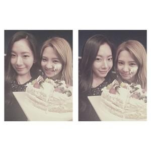Amanda Cho Instagram: Happy bday Hyoyeon unnie🎉🎈생일