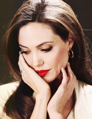 Angelina Jolie wallpaper called Beautiful Angelina
