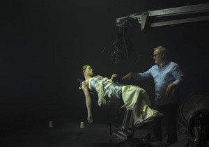 Behind the Scenes: Rosamund Pike and David Fincher