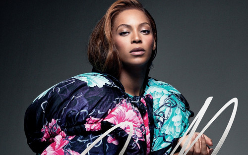 Beyonce wallpaper containing a kimono called Beyonce in new photoshoot