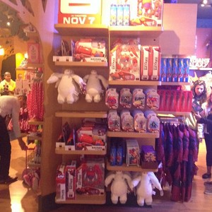 Big Hero 6 Merchandise at the डिज़्नी Store