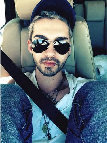 Tokio Hotel वॉलपेपर titled Bill car selfie