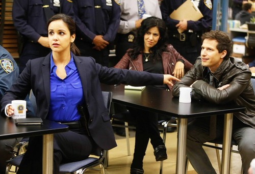 Brooklyn Nine-Nine karatasi la kupamba ukuta with a business suit titled Brooklyn nine-nine