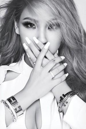 CL for 'Elle'