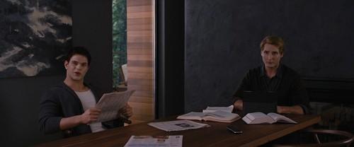 暮光之城 男孩 壁纸 with a 阅读 room, a business suit, and a drafting 表 entitled Carlisle and Emmett