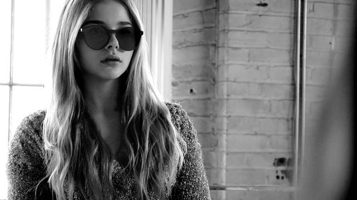 Хлоя Морец Обои possibly with sunglasses titled Chloe Moretz Обои