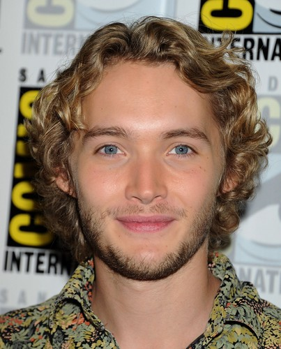 Toby Regbo 壁纸 with a portrait entitled Comic-Con - July 23rd