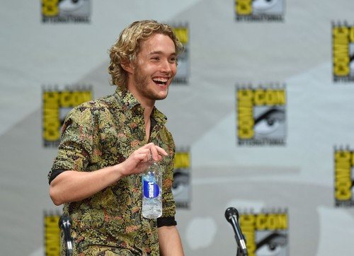 Toby Regbo wallpaper possibly containing a green beret, affatica, and fatiche titled Comic-Con - July 23rd