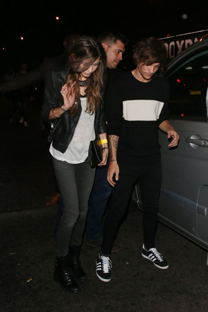 Eleanor with Louis leaving Niall's 21st birthday party (06/05/2014)