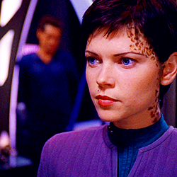 bituin Trek: Deep puwang Nine wolpeyper probably with a konsiyerto and a portrait entitled Ezri Dax