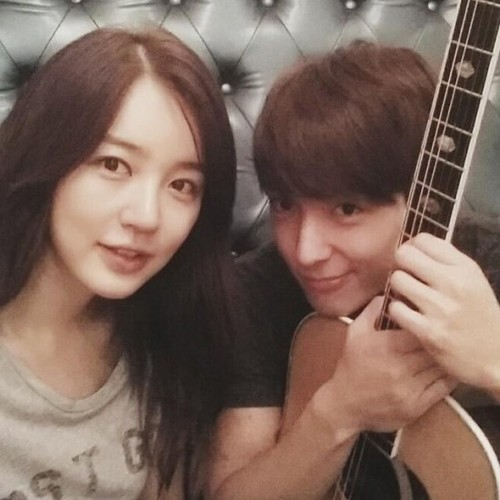 F.T. Island پیپر وال possibly with a ویتا, ساٹن entitled F.T. Island's Jonghun and Yoon Eun Hye