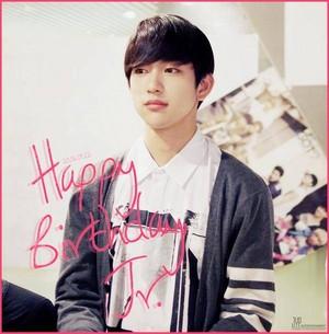 Happy birthday to GOT7's Jr.!