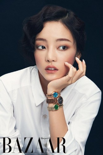 KARA 바탕화면 probably containing a portrait called Hara 'Harper's Bazaar'