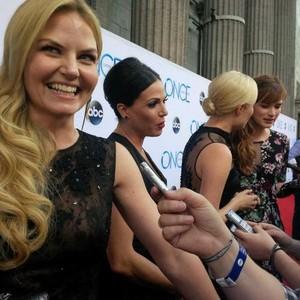 Jenny,Lana,Elizabeth and Georgina at OUAT premiere(September,2014)