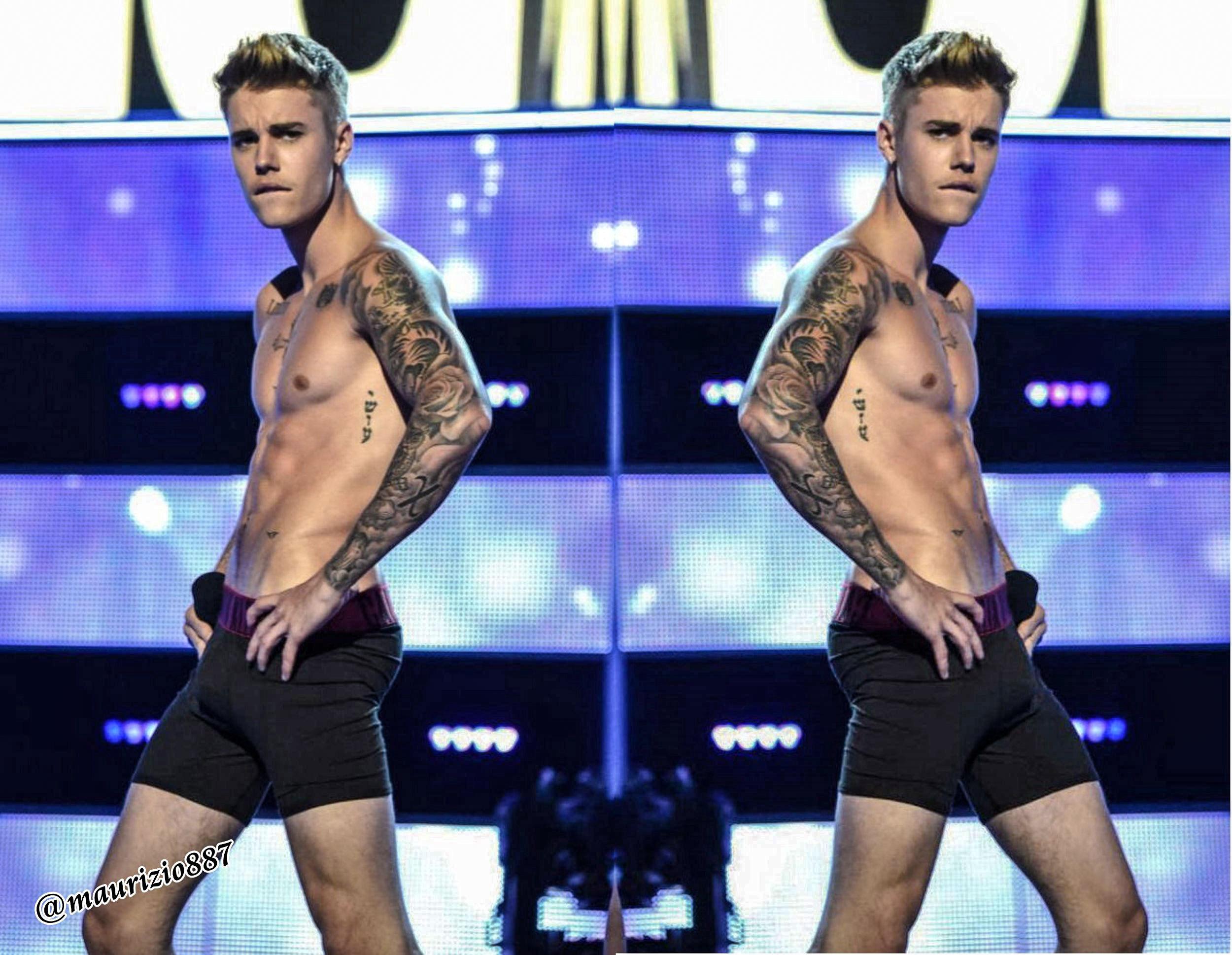 Justin Bieber ,strips Fashion Rocks, 2014 - Justin Bieber ...