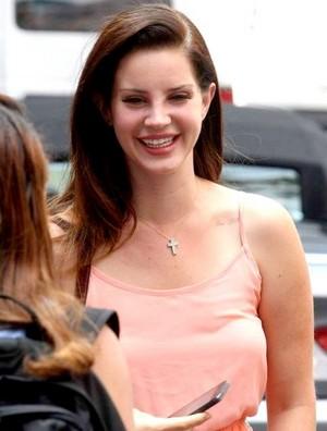Lana Del Rey sweet smile
