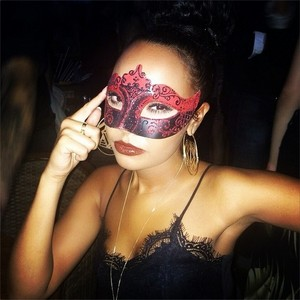 Leigh's new Instagram Picture ♥