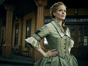 Maggie Palmer (Chelah Horsdal)