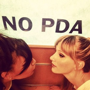 Naya and Heather at the Glee set