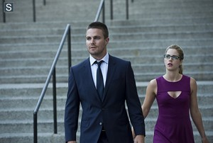 Oliver and Felicity - Episode 3.01 - The Calm - Promo Pic