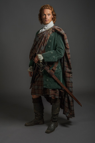 Outlander 2014 TV Series پیپر وال possibly containing a surcoat, سورکوت titled Outlander - 1x07 - The Wedding
