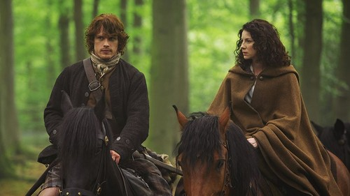 série TV Outlander 2014 fond d'écran probably with a horse trail, a cloak, and a horse wrangler titled Outlander - 1x08 - Both Sides Now