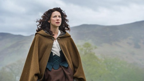 アウトランダー 2014年TVシリーズ 壁紙 containing a マント, 隠す and a capote called Outlander - 1x08 - Both Sides Now