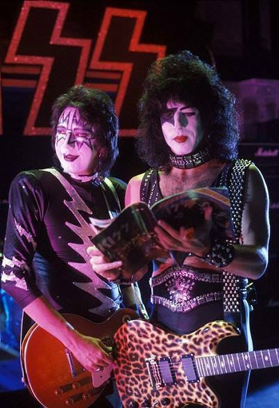 Paul stanley and ace frehley kiss photo 37513460 fanpop
