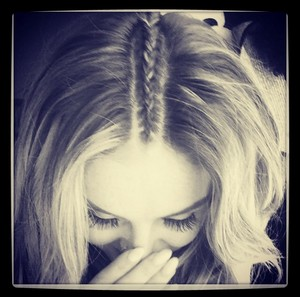 Perrie's New Instagram Picture ❤