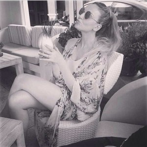 Perrie's new Instagram Picture♥