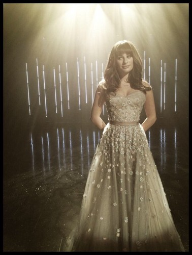 Rachel Berry 壁纸 possibly containing a gown, a 晚餐 dress, and a 袍, 礼服 titled Rachel Season 6