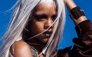 """Rihanna """"Tush"""" magazine"""
