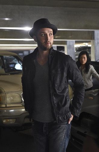 Scorpion (CBS) wallpaper possibly with a street, a fedora, and a carriageway entitled Scorpion - 1x02 - A Cyclone