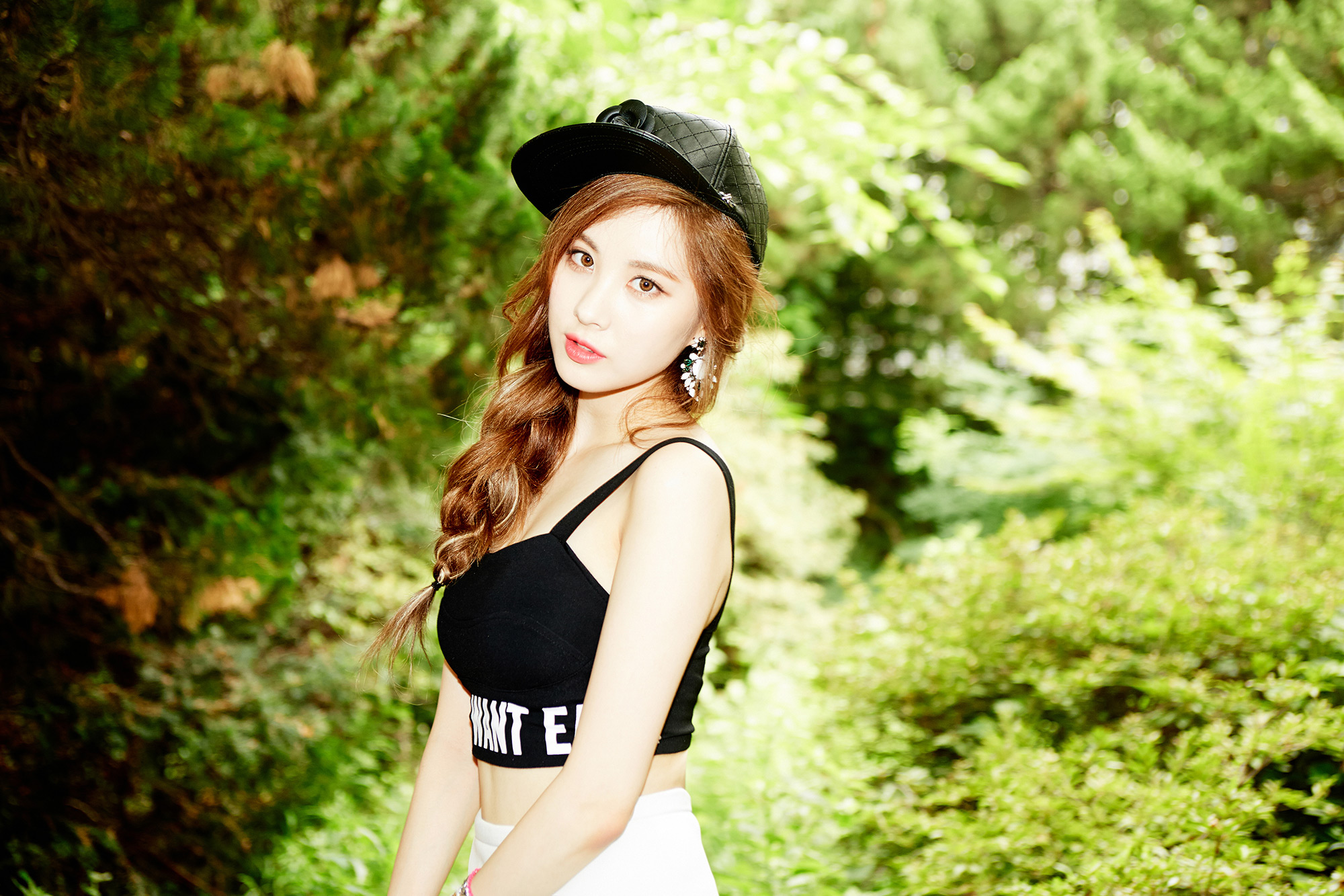 "TaeTiSeo Seohyun ""Holler"" Image Teaser"