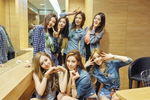 TaeTiSeo and Red Velvet