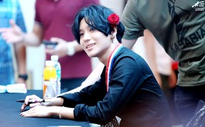 Taemin with Rose - Fan Sign Event for Ace