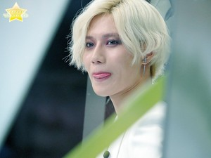 Taemin with White Hair at MNET Begin