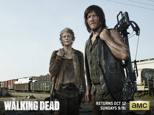 The Walking Dead wallpaper possibly with a hip boot, a workwear, and a well dressed person entitled Daryl Dixon & Carol Peletier