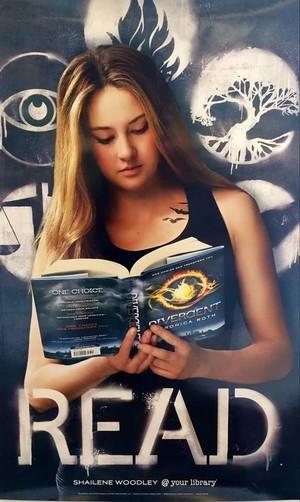 Tris reading divergent