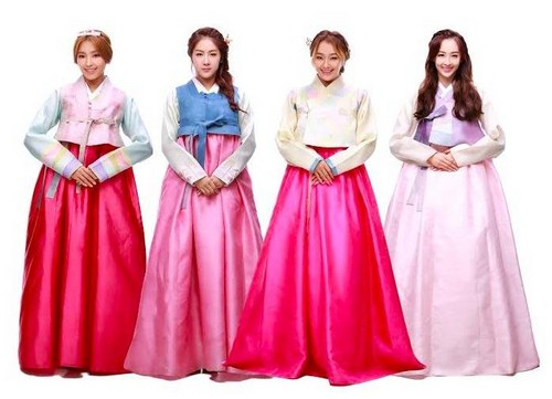 SISTAR (씨스타) kertas dinding entitled SISTAR give their early Chuseok greetings in beautiful hanbok